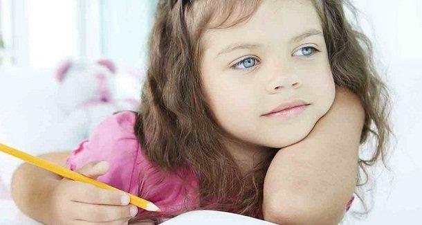 Как научить ребенка правильно держать ручку и карандаш