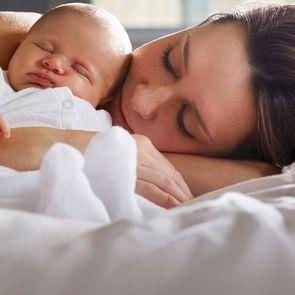 Мамин опыт: совместный сон сделал меня счастливой мамой