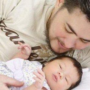 Самостоятельно рожать мужчины смогут через 10 лет