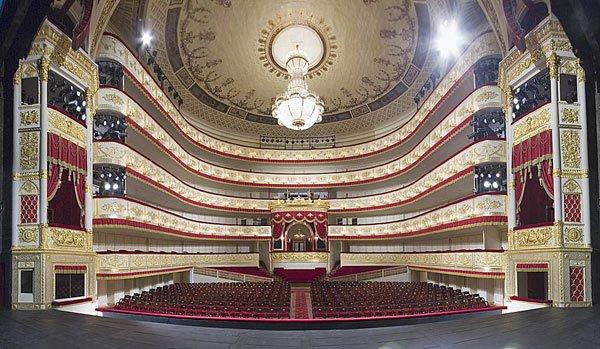 Привидения Александринского театра ждут гостей