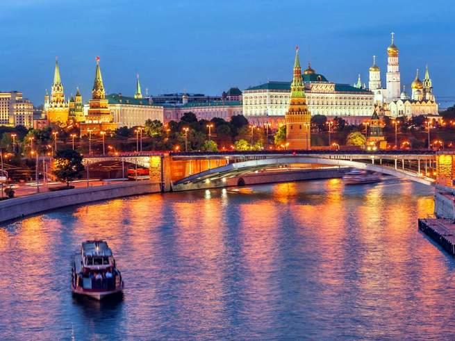5 маршрутов теплоходных прогулок  по Москве-реке