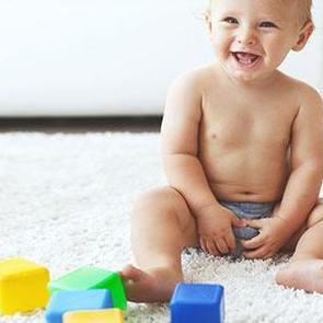 Игрушки для развития ребенка 6 месяцев
