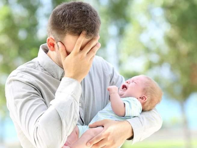 Британских отцов будут бесплатно лечить от послеродовой депрессии