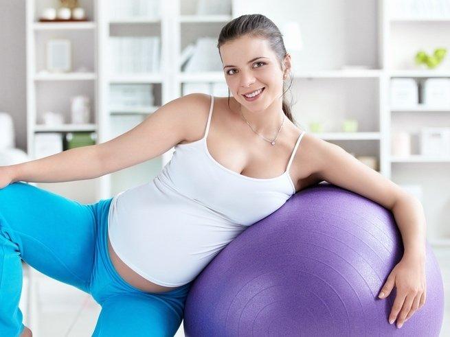 Комплекс физических упражнений в 3 триместре беременности