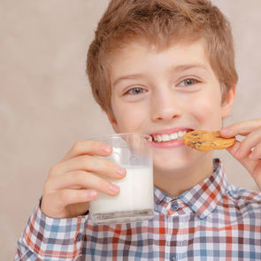 Депутаты Госдумы предлагают выдавать школьникам бесплатное молоко