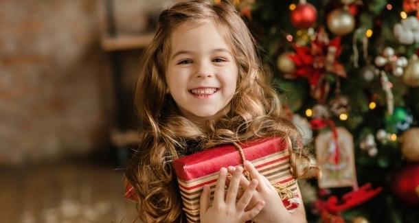 Топ-10 подарков на Новый год девочке в 6-7 лет