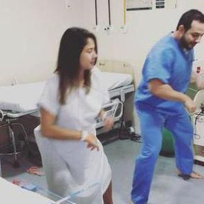 ВИДЕО: Бразильский акушер-гинеколог танцует с роженицами