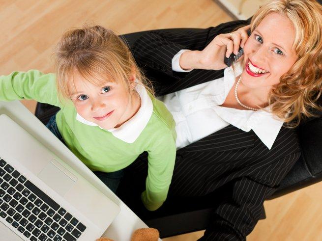 Когда мама работает: права, льготы привилегии