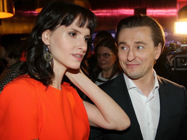 Новая жена Сергея Безрукова беременна