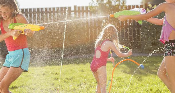 Опубликован список опасных летних игрушек