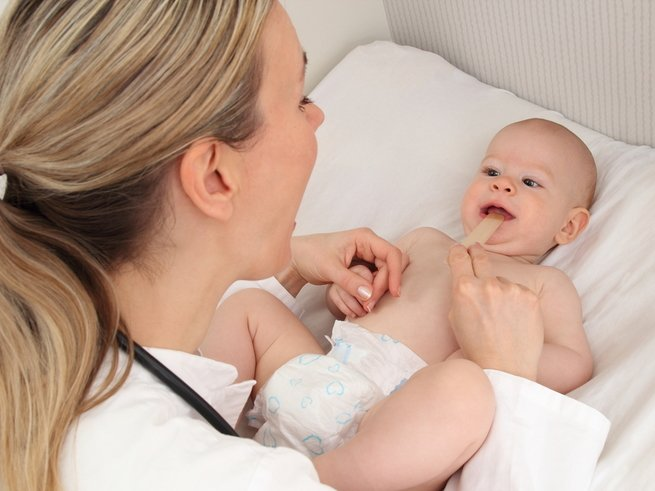 Причины и лечение ларингита у малыша