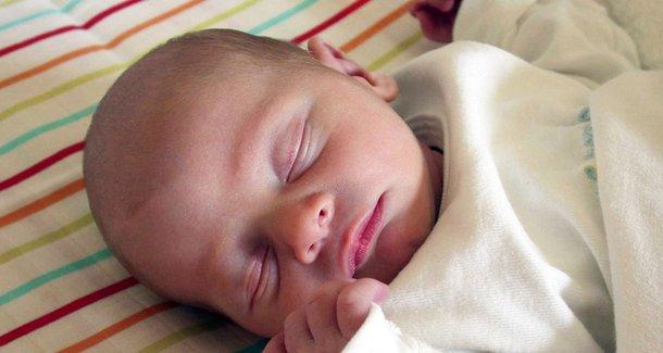 Какие причины и симптомы внутричерепного давления у ребёнка