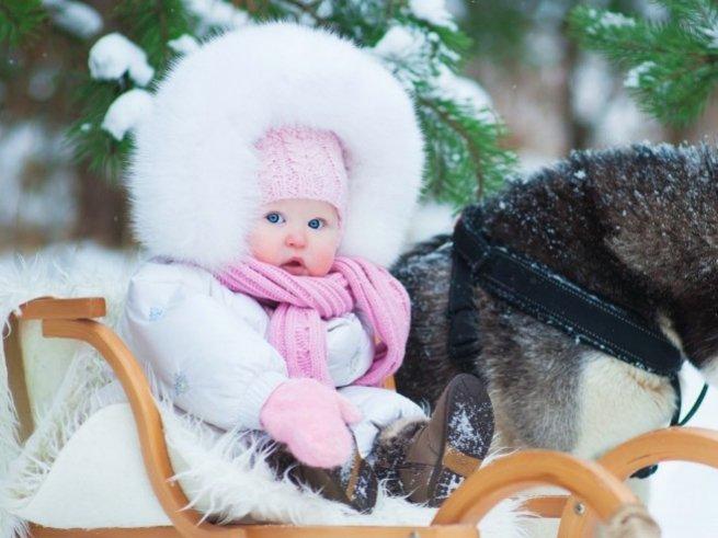 Какая зимняя одежда нужна новорождённому?