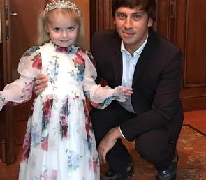 Младшая дочь Пугачевой становится ее копией
