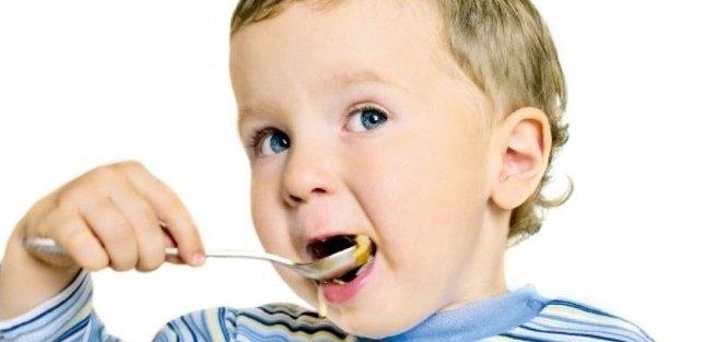 Игры с едой избавляют детей от неофобии