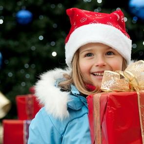 «Новогодние подарки детям-сиротам только вредят»