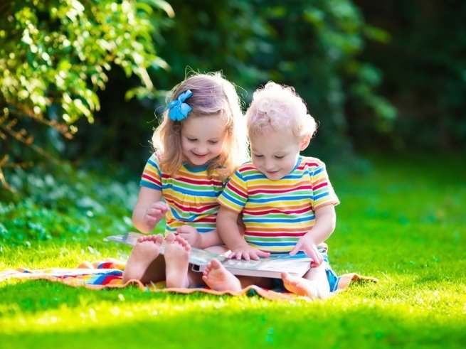5 родительских фраз, которые вызывают ревность старшего ребёнка