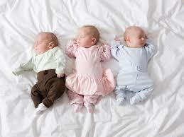 """Женщина с диагнозом """"бесплодие"""" родила тройняшек"""