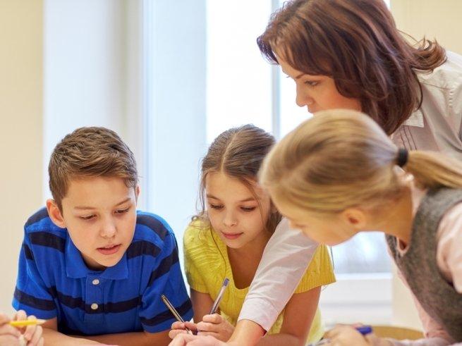 Учительницу засудили за слишком сложные задания