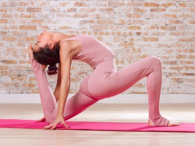 Упражнения, которые помогут снять усталость со спины