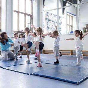 Уроки физкультуры опасны для детской жизни