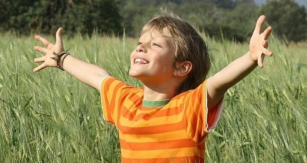 Почему ребёнок в 9 лет сильно потеет