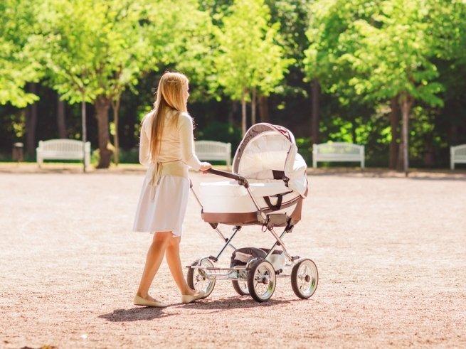 Прогулки с коляской: проведите время с пользой