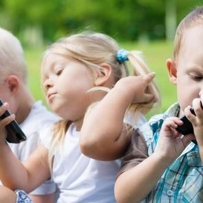 Мобильные телефоны могут вызвать косолазие
