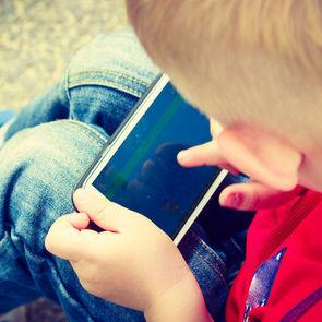 Десятилетний мальчик легко взломал защиту iPhone X