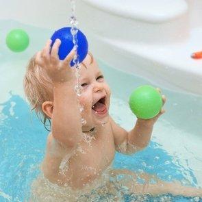 Водные процедуры: 9 стишков для купания