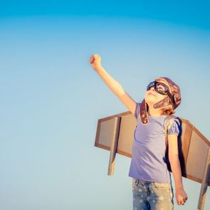 Изучаем профессии с ребёнком: 30 лёгких стишков для дошкольников