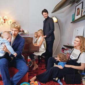 Водянова показала необычное семейное фото