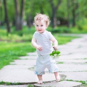 Учим ребёнка ходить: почему не надо торопиться