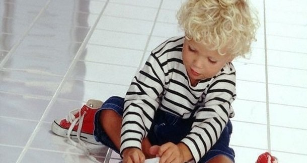 Ох уж эти шнурки! Как научить ребёнка их завязывать на раз-два