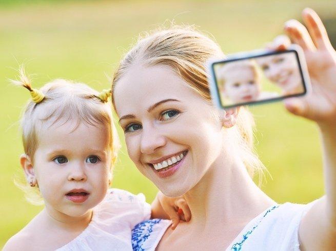 Пять причин не размещать фото детей в Интернете