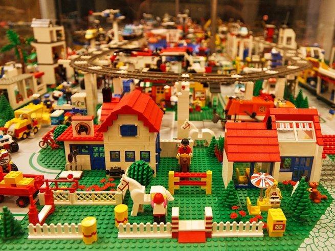 В «Леготеке» можно построить свой LEGO-город