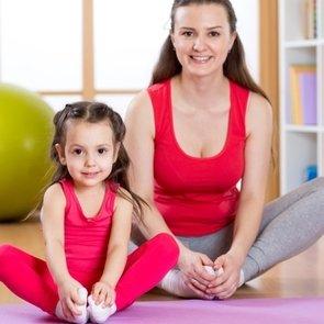 Весёлая зарядка для малышей: лучшие упражнения