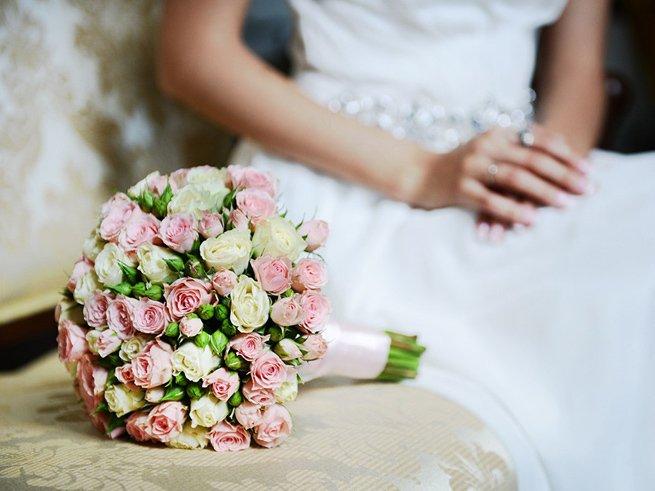 Свадебный букет невесты из живых цветов