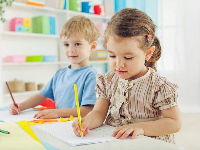 Родителям будущих первоклассников: какие документы надо собрать перед поступлением ребёнка в школу