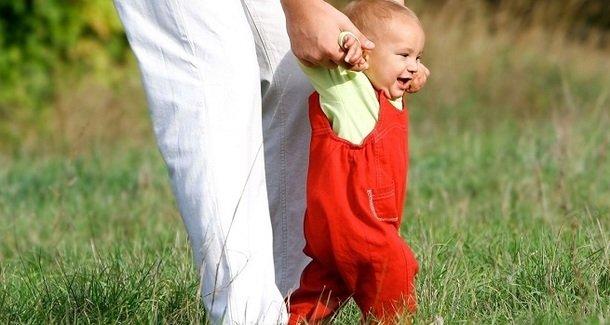 Ходунки нам не нужны! Учим ребенка ходить самостоятельно