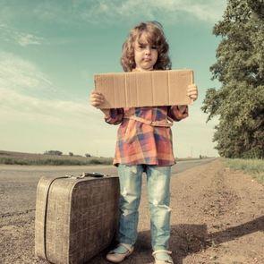 Памятка: куда звонить и что делать, если ребёнок потерялся