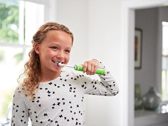 Здоровье зубов на 5+ с электричеcкой щеткой Oral-B Junior для школьников