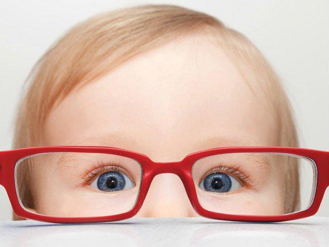 Зрение у младенцев: этапы развития, скиаскопия