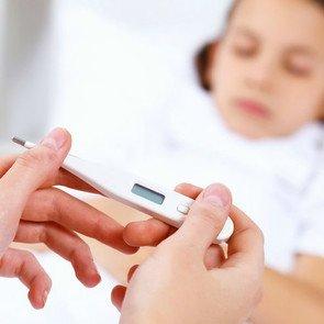 Как проявляется пневмония у детей: признаки и симптомы