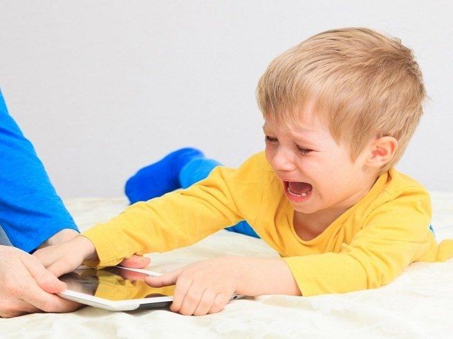 Правильная тактика поведения с капризным ребёнком