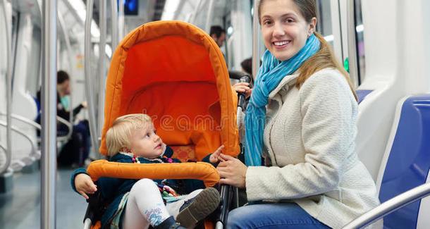 Кузнецова: запрет на коляски в метро нарушает права человека