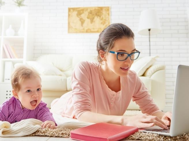 Вебинар для мам в декрете: «Как зарабатывать с ребёнком на руках»