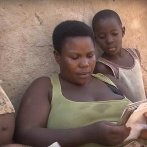 Мать 44 детей названа самой плодовитой женщиной Африки