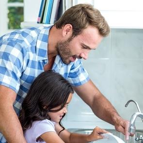 Как правильно привлекать мужа к домашним делам