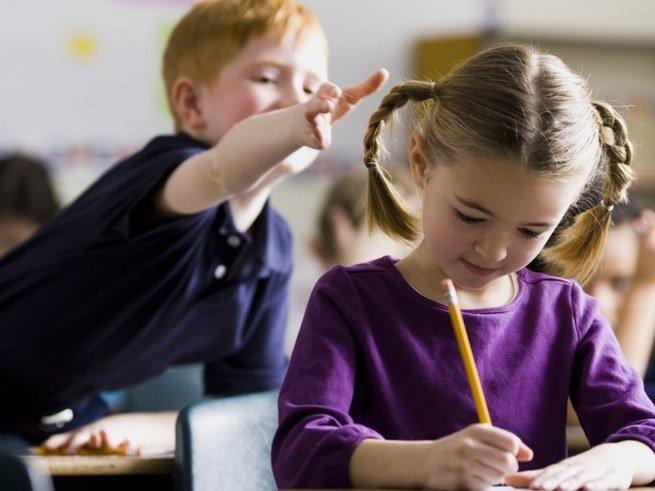 Ребёнка обижают в школе: советы родителям